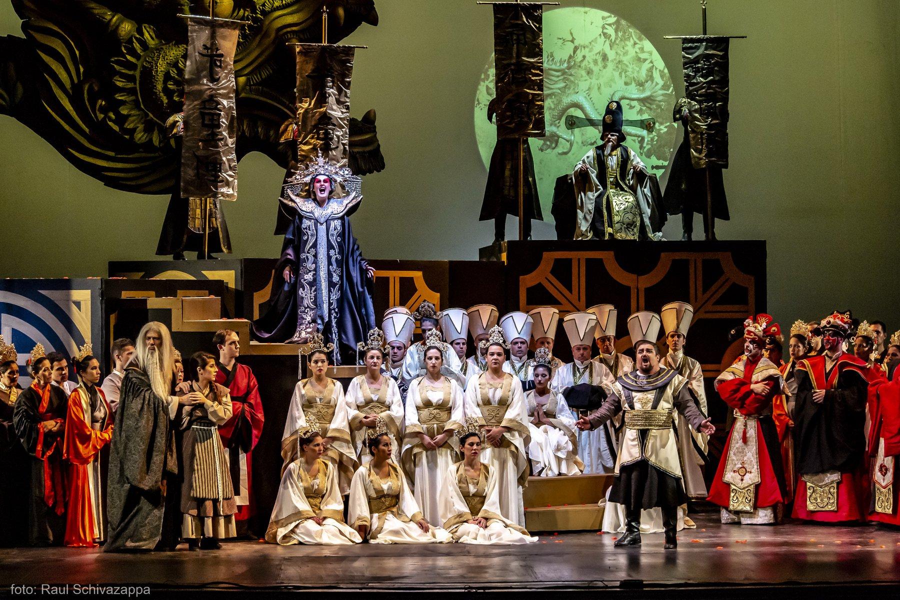 Opera en el teatro El Ciculo Rosario